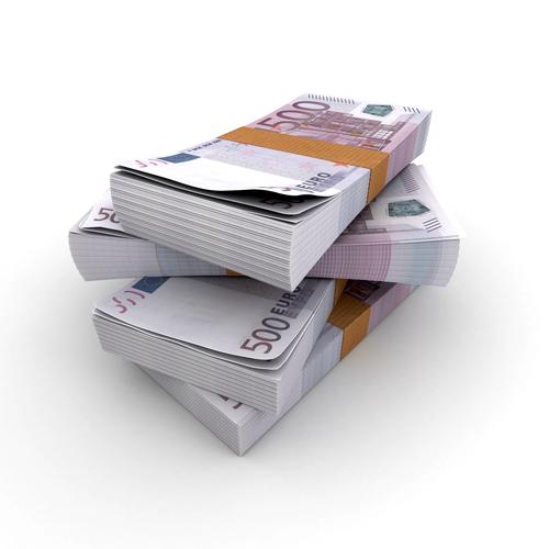 Fajos de billetes de 500€ pronto serán retirados por prevención del blanqueo de capitales