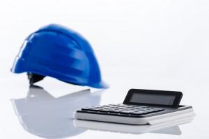 Casco de protección y calculadora para incentivar la prevención de riesgos laborales
