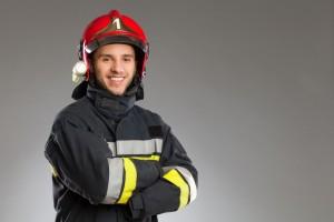 Un operario equipado para la prevención de riesgos laborales