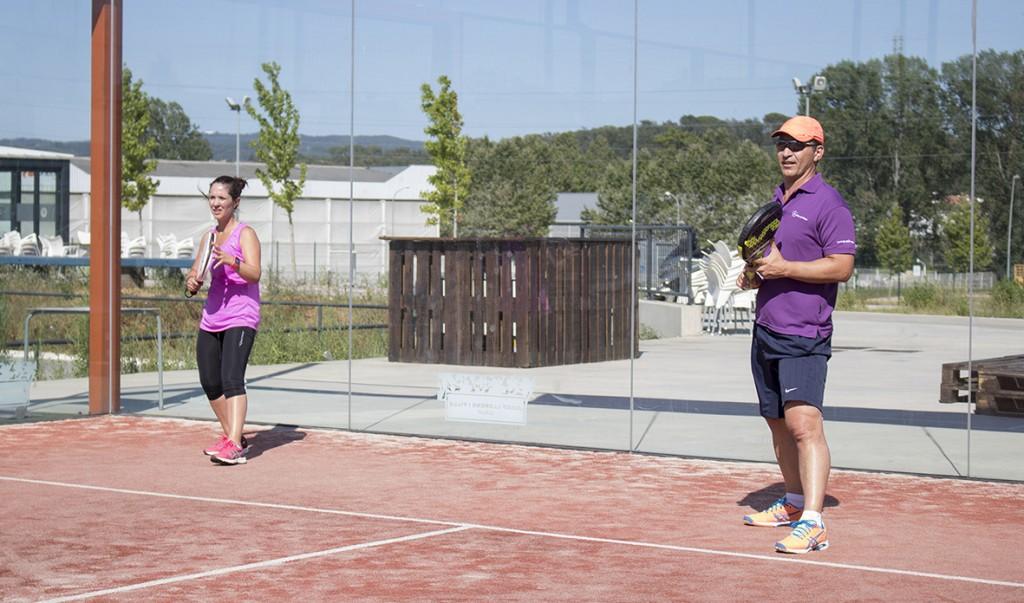 Imagen de una de las parejas que jugaron el Torneo de pádel de Conversia celebrado en julio de 2016