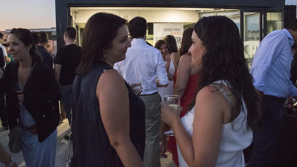 Después de los partidos llegaba la hora del cocktail y de la entrega de premios del Torneo de pádel de Conversia celebrado en julio de 2016