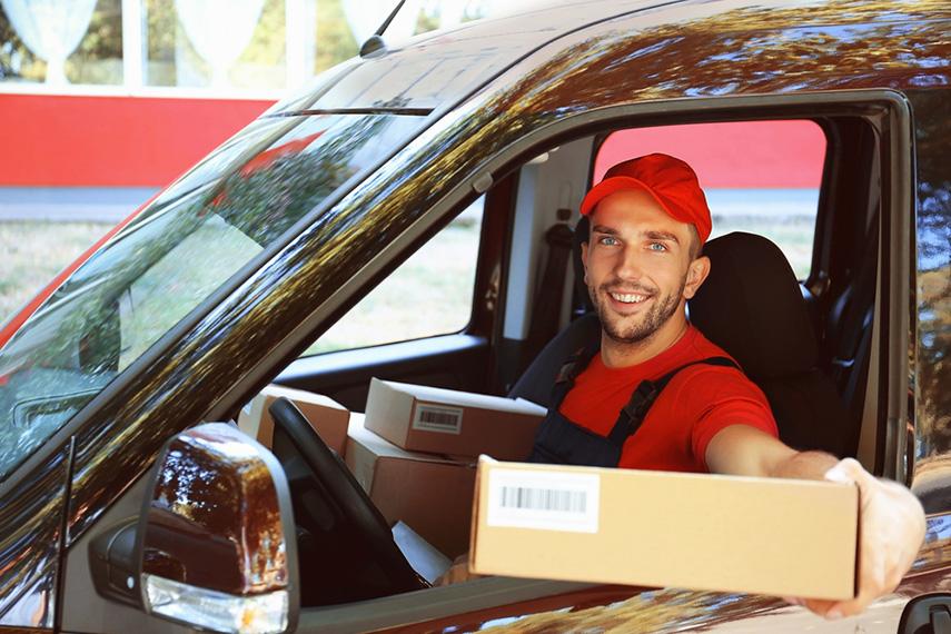 El comercio electrónico incrementa riesgos laborales de tráfico para el sector del transporte