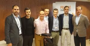 El equipo comercial de la Delegación de Baix Llobregat recogiendo el 3r Premio a Mejor Delegación - Convención Conversia 2017