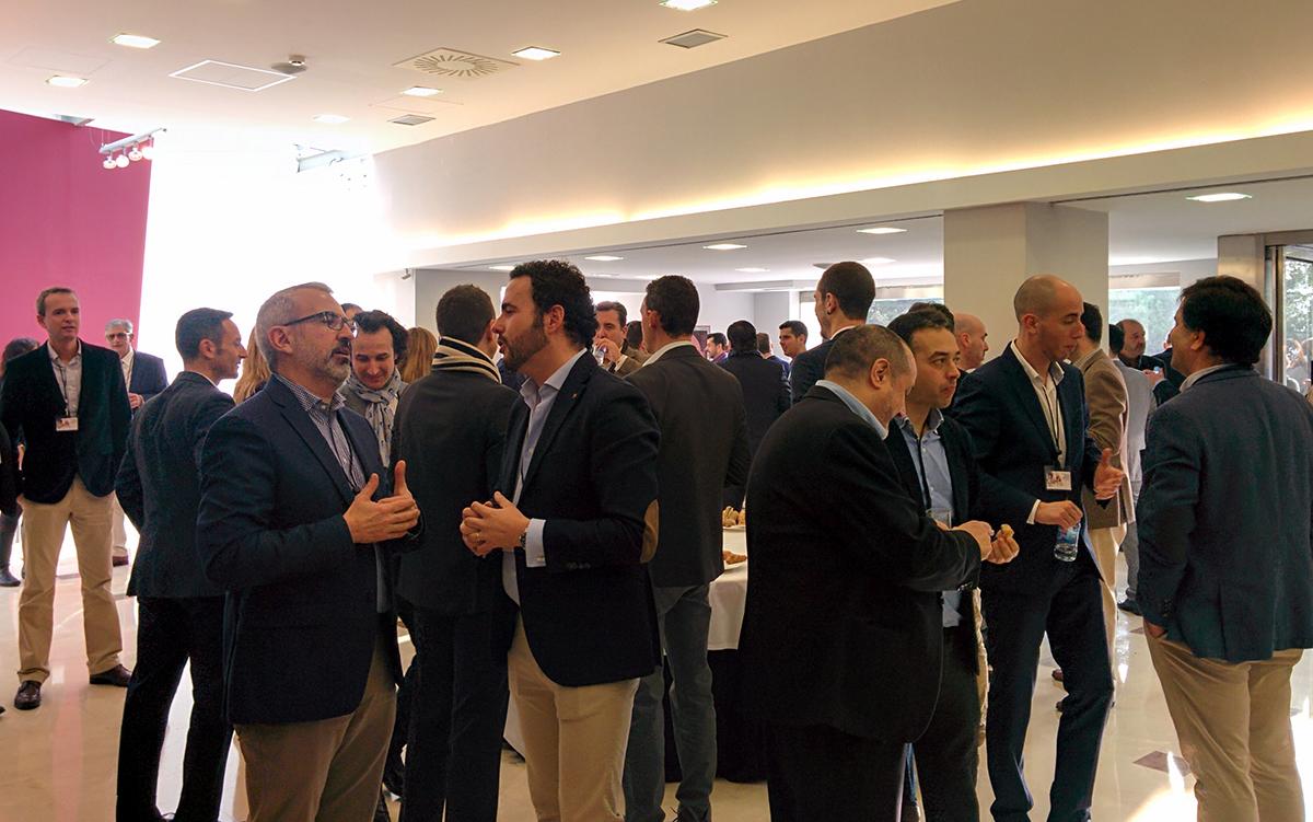 Los asistentes a la Convención 2017 de Conversia antes de entrar al auditorio