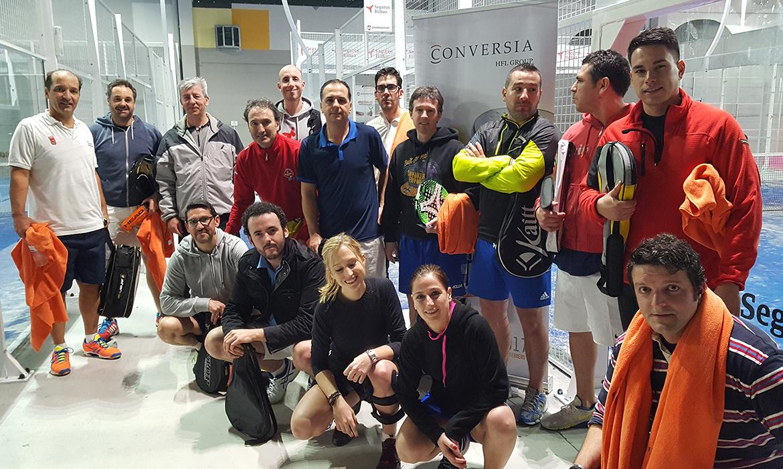 """Los participantes del Torneo de Pádel """"Winter Edition"""" al finalizar los partidos - Convención Conversia 2017 Torneo de Pádel"""