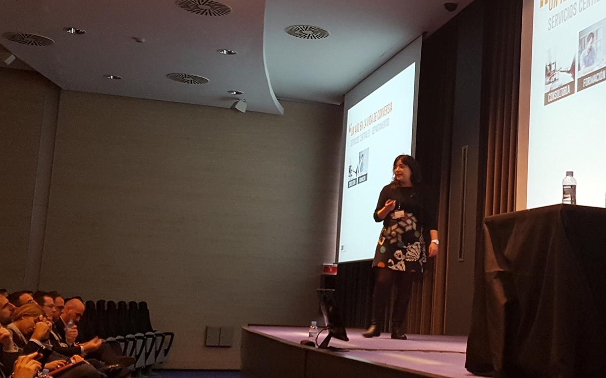 La Directora de Operaciones de Conversia, Sara Solano, durante su ponencia en la Convención 2017 de Conversia