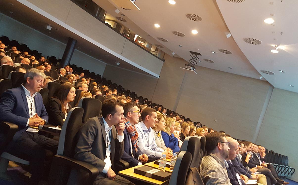 Imagen de los asistentes atentos a las ponencias realizadas en el auditorio celebrada durante la Convención 2017 de Conversia