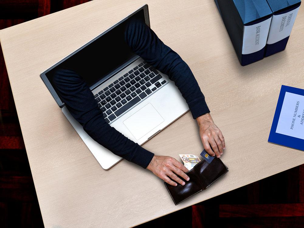 Red de blanqueo de capital y estafa en venta online fraudulenta