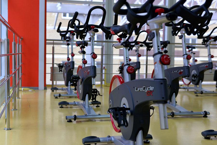 sala de máquinas de un gimnasio similar al que se produjo blanqueo de capitales