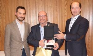 Albert Mestre recogiendo el 1er premio de la categoría de Mejor Auditor durante la Convención 2018 de Conversia