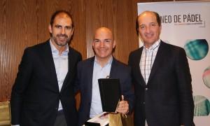 Jordi Duch recogiendo el 2º premio de la categoría de Mejor Vendedor en la Convención 2018 de Conversia