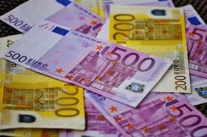 Imagen de billetes para ilustrar post sobre denuncias