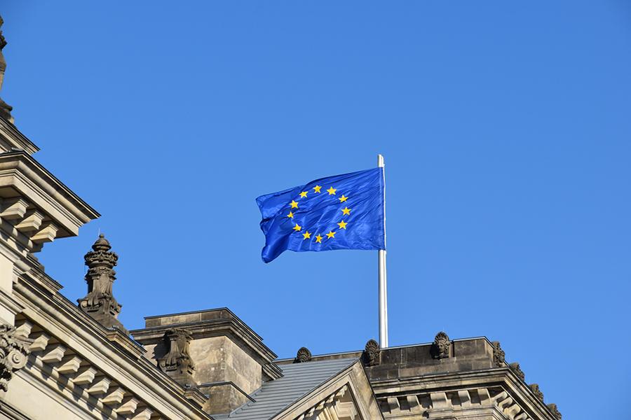 Bandera Europea para ilustrar post de Conversia