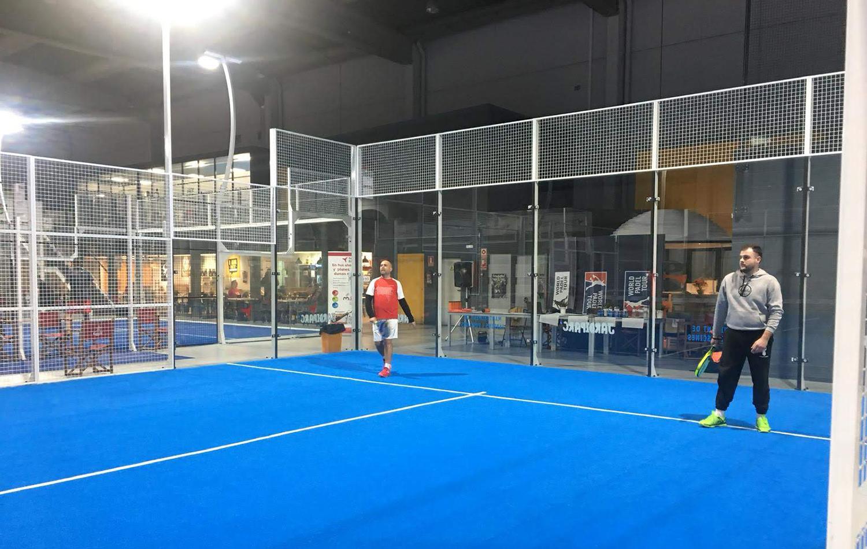 Imagen de los jugadores durante el desarrollo de uno de los partidos del Torneo de Pádel de Conversia.