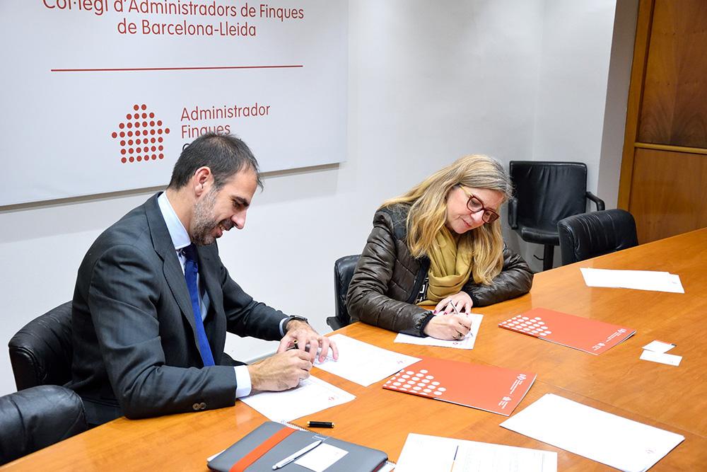 Sergi Puig y Anabel Miró durante la firma de la renovación del convenio de colaboración, suscrito el pasado 26 de marzo.