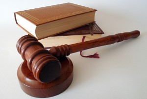 foto juez ilustrar post de conversia