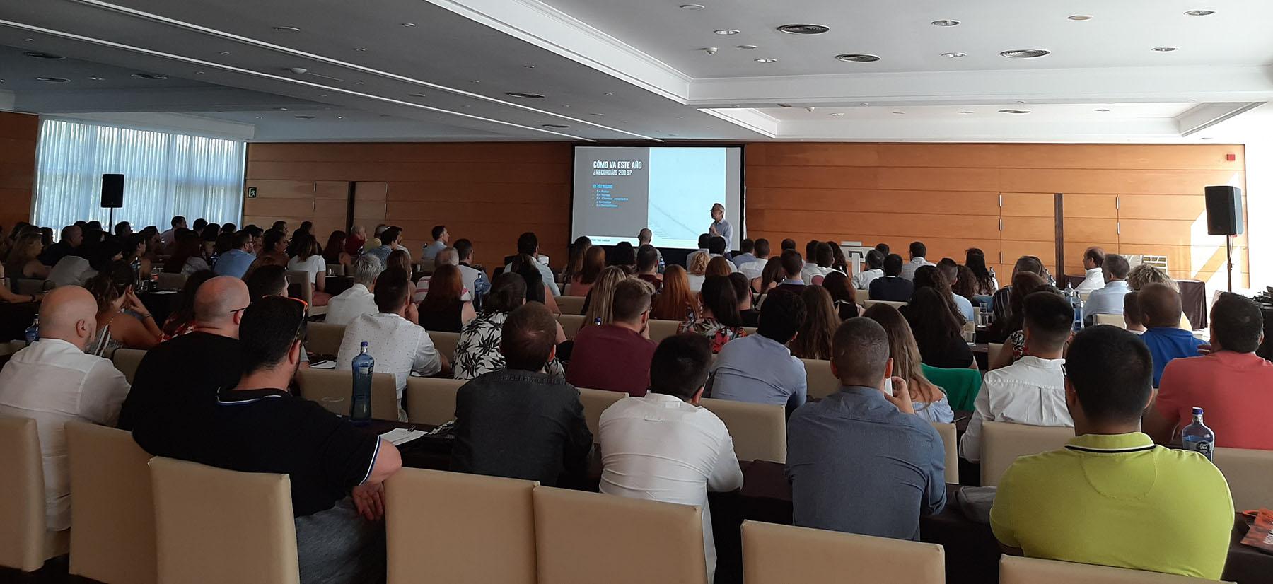 Imagen de los asistentes escuchando las ponencias durante el Check Point Julio 2019.