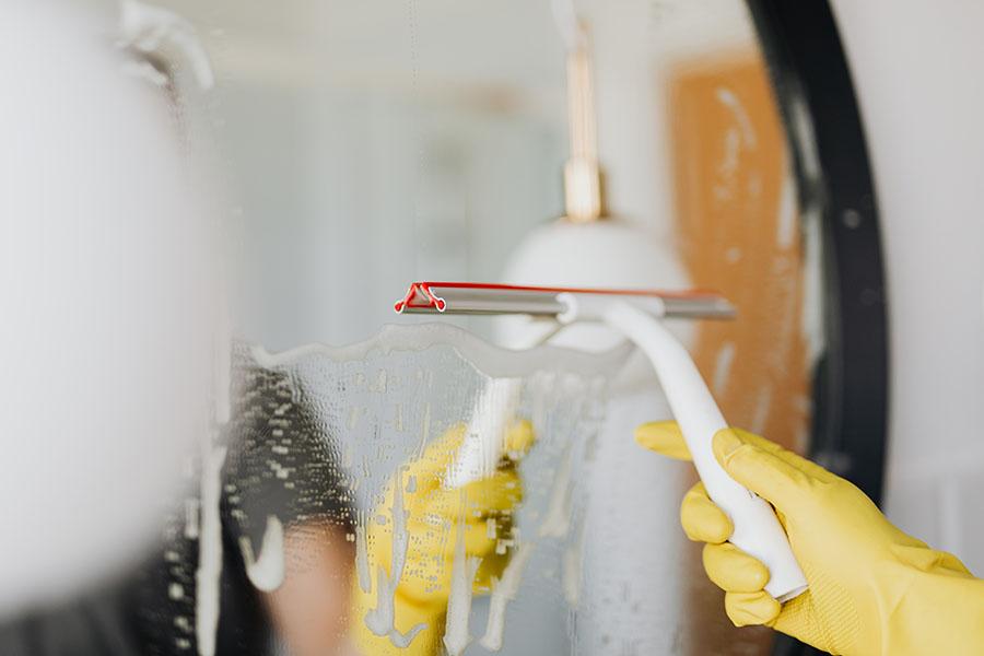 Las trabajadoras del hogar siguen sin estar acogidas por la ley de riesgos laborales